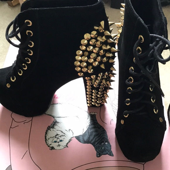 c6d0bd7d721d Jeffrey Campbell Shoes - Black and gold suede Litas in great condition